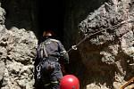 Muž byl v jeskyni uvězněn čtyři dny