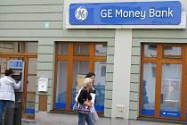 V bance v době loupeže bylo několik klientů