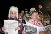 Březovští zpívali s Berounským deníkem koledy