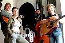 V koncertním vystoupení skupiny Nezmaři zazní nejen hity z minulých let, ale i skladby z nového alba