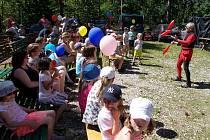 Ve Zdicích využili k pořádání dětského dne lesopark na vrchu Knihov.