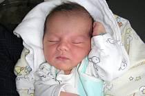 Do Berouna přibyl v sobotu 12. března nový občánek. Jmenuje se Erik Oračko a je prvorozeným synem maminky Ilony a tatínka Miroslava. Po porodu vážil Eriček 3,50 kg a měřil 51 cm. Novopečení rodiče mají ze svého chlapečka velkou radost.