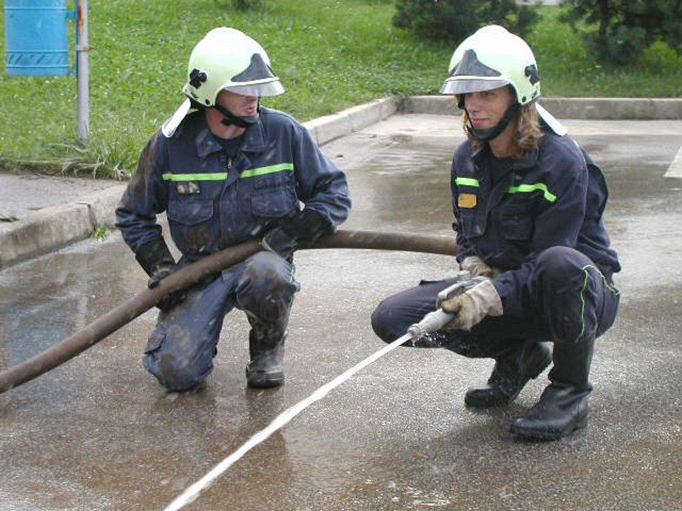 V roce 2002 přišly stovky rodin v Hýskově, Nižboru, Srbsku, Karlštejně i Zadní a Hlásné Třebani o střechu nad hlavou. Dodnes nejsou před velkou vodou chráněni. Protipovodňová opatření se zrealizovala pouze v Berouně a Králově Dvoře.