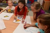 Do letošního jubilejního pátého ročníku akce Noc s Andersenem, který pořádala Městská knihovna  v Králově Dvoře, se zapojilo téměř padesát dětí.