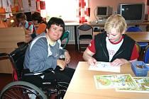 Děti, které se rozhodnou namalovat či vytvořit něco s motivem klubíčka, pomohou tomuto integračnímu centru