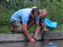 Prázdninový rybolov pro děti na Bažantnici.