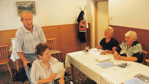 Do volební místnosti se dostavili všichni, kterým záleží na budoucnosti Felbabky.