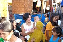 Některé děti žijící v chudinské čtvrti Dagupan na Filipínách dostaly dárky poprvé v životě. Byl to pro ně velký zážitek