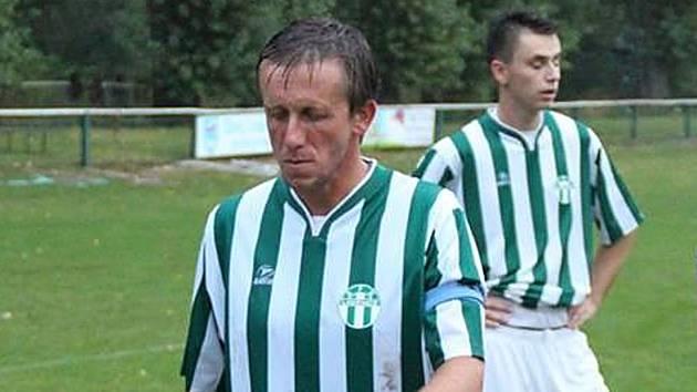 Fotbalista Antonín Novák v dresu AFK Loděnice.
