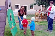Den plný her v lochovickém azylovém domě