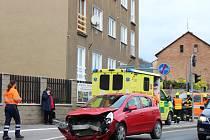 Na křižovatce Plzeňské ulice s ulicí Bratří Nejedlých v Berouně se srazily dva osobní vozy.