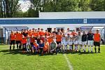 Členy oddílu Spartak Žebrák jsou začínající malí fotbalisté, junioři i dospělí hráči.