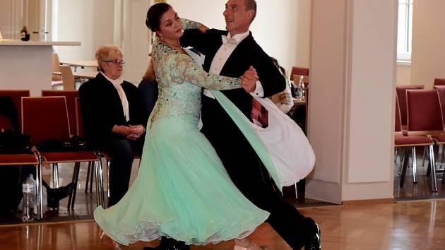 Taneční páry změřily své síly jak ve standardních tancích, tak i v latinskoamerických.