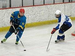 Hokej se hraje opět i v Hořovicích.