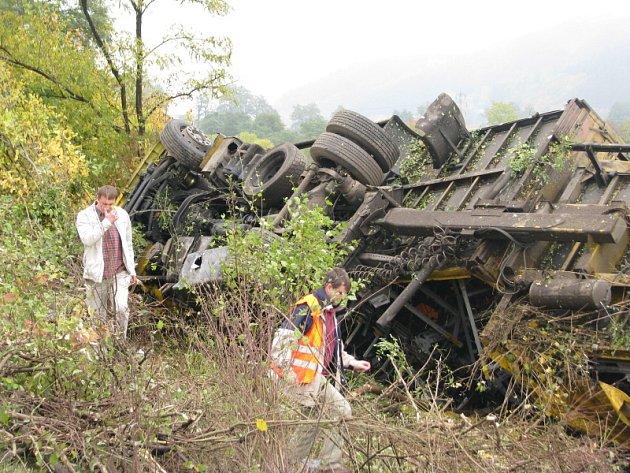 Dopravní nehoda kamionu na dálnici D5