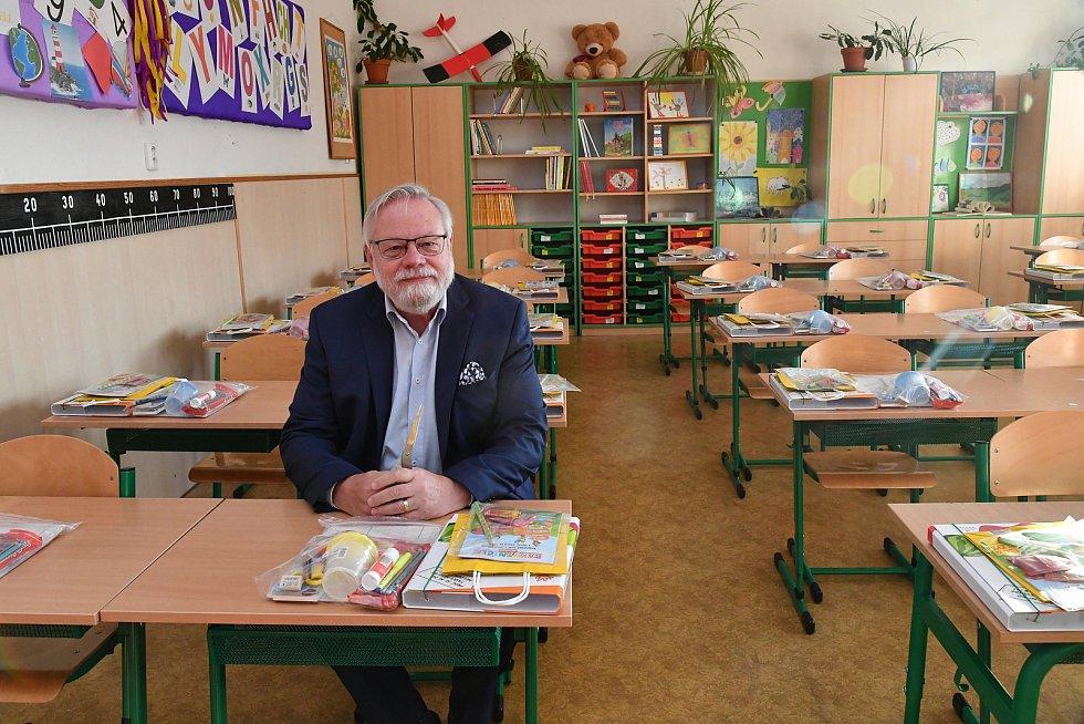 První školní den v Počaplech.