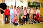 1. třída Základní školy Tmaň s třídní učitelkou Evou Jílkovou.