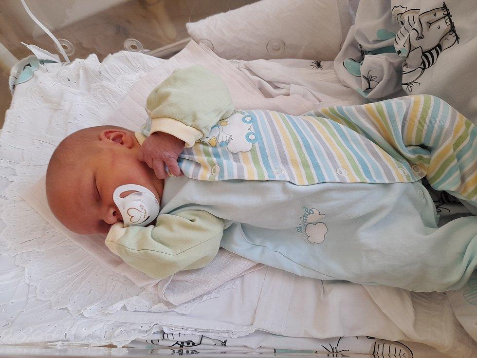 Martin Oravec se poprvé na svět podíval 8. července 2021 ve 21.06 hodin v čáslavské porodnici. Vážil 3520 gramů a měřil 49 centimetrů. Doma ve Vilémově ho přivítali maminka Martina, tatínek Martin a čtyřletá sestřička Nikoleta.