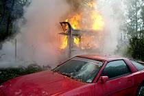 V kempu Na Hrázi hořel karavan