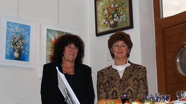 Věra Mačková (vlevo)