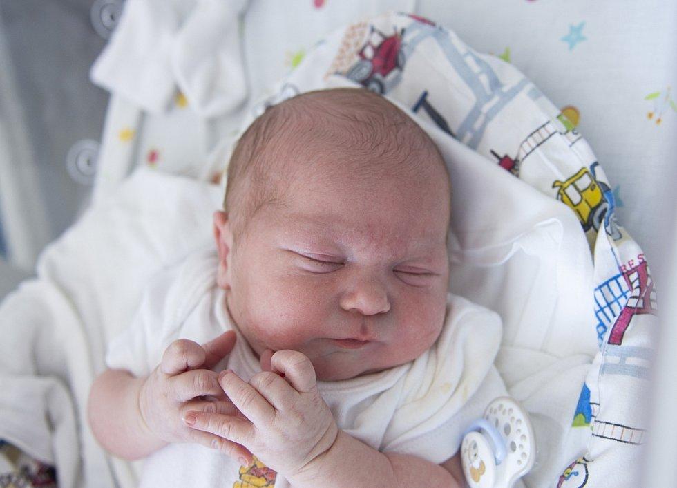 Matyáš Rosůlek se narodil v nymburské porodnici 22. července 2021 v 8.39 hodin s váhou 3510 g a mírou 47 cm. V Opočnici bude chlapeček bydlet s maminkou Lenkou, tatínkem Martinem a sestřičkou Lucií (7 let).
