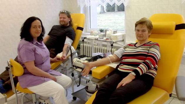 Hořovická transfuzní stanice zaznamenala další rekord. Ivana Kučerová darovala krev již po sto dvacáté.