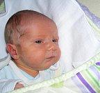 Šťastným dnem je pátek 13. prosince pro manžele Marcelu a Josefa Doubravovy, kterým se narodil syn Jakub. Chlapečkovi sestřičky v porodnici navážily 3,113 kg a naměřily 49 cm. Doma v Litni čeká na Kubíčka bratr Honza (20).