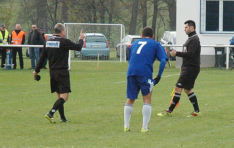 Utkání rozhodl ve prospěch domácích proměněným trestným kopem Tomáš Carván.