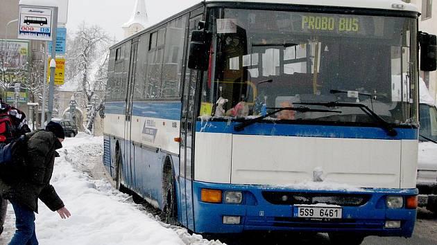 Jízdné v autobusech výrazně podražilo