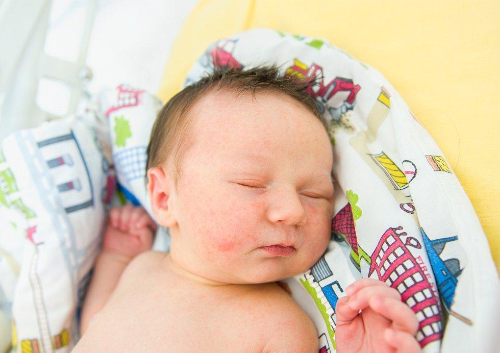 Florián Bašta se narodil v nymburské porodnici 12. června 2021 v 16.55 hodin s váhou 3720 g a mírou 51 cm. Do Poděbrad prvorozený chlapeček pojede s maminkou Izabelou a tatínkem Janem.