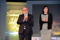 Například Alžběta Veverková pro ocenění za druhé místo v týmové kategorii mládeže, které  předávali také senátor Jiří Oberfalzer a vedoucí OSVA MÚ Beroun Simona Boldi.