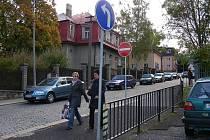 V Hořovicích je příliš mnoho dopravních značek.