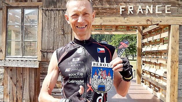 Spokojený František Bulava ve Francii.