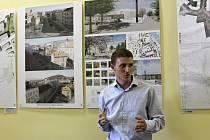 Z výstavy návrhů řešení Wagnerova náměstí v prostorách Městské knihovny v Berouně.
