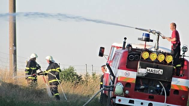 Sbor dobrovolných hasičů ve Tmani pomáhá pořádat kulturní akce a vyjíždí i k požárům.