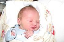 Do Lochovic přibyl nový občánek. Jmenuje se Jaromír Urban a je prvorozeným synkem maminky Petry a tatínka Miroslava. Jaromír se prvně rozkřičel na svět ve středu 3. 6. a v ten den mu sestřičky v porodnici navážily 3,88 kg a naměřily 49 cm.