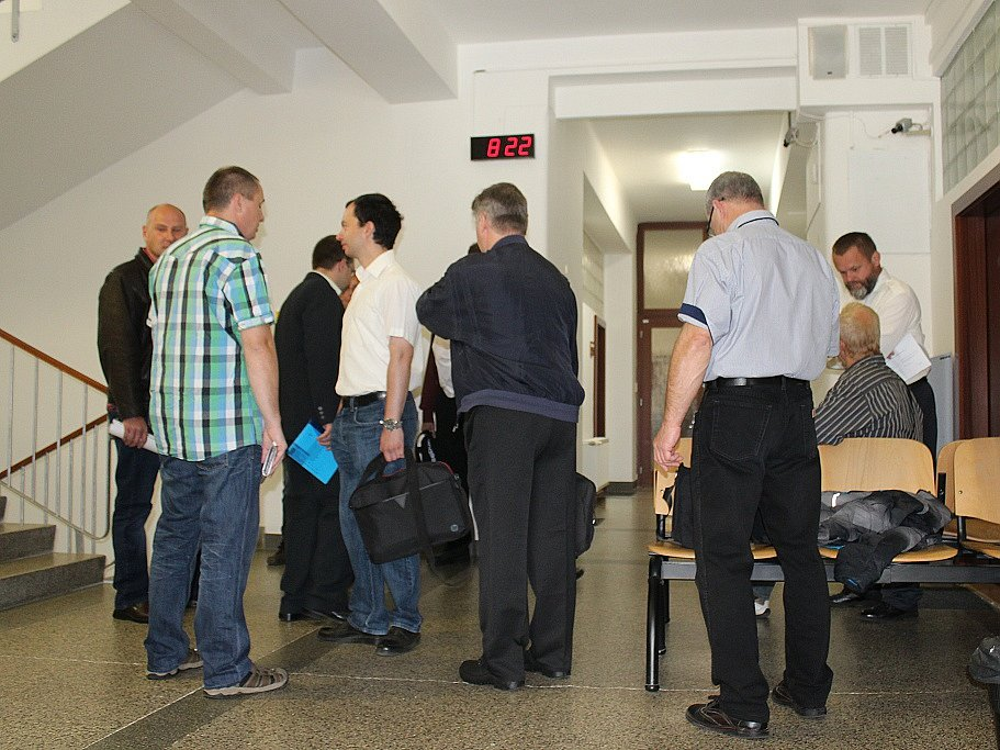Osmnáct berounských strážníků stanulo před soudem.