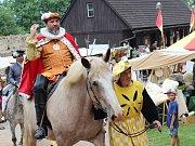 Na Točníku se po oba sváteční dny konaly tradiční dobové slavnosti, které se tentokrát nesly v duchu doby císaře Rudolfa II.
