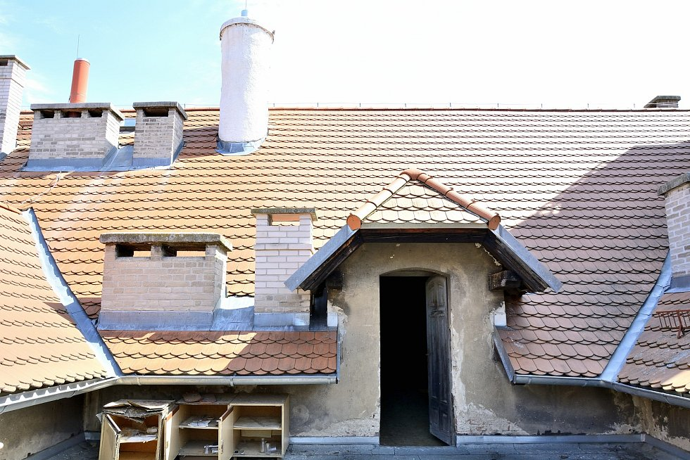 Střecha školy