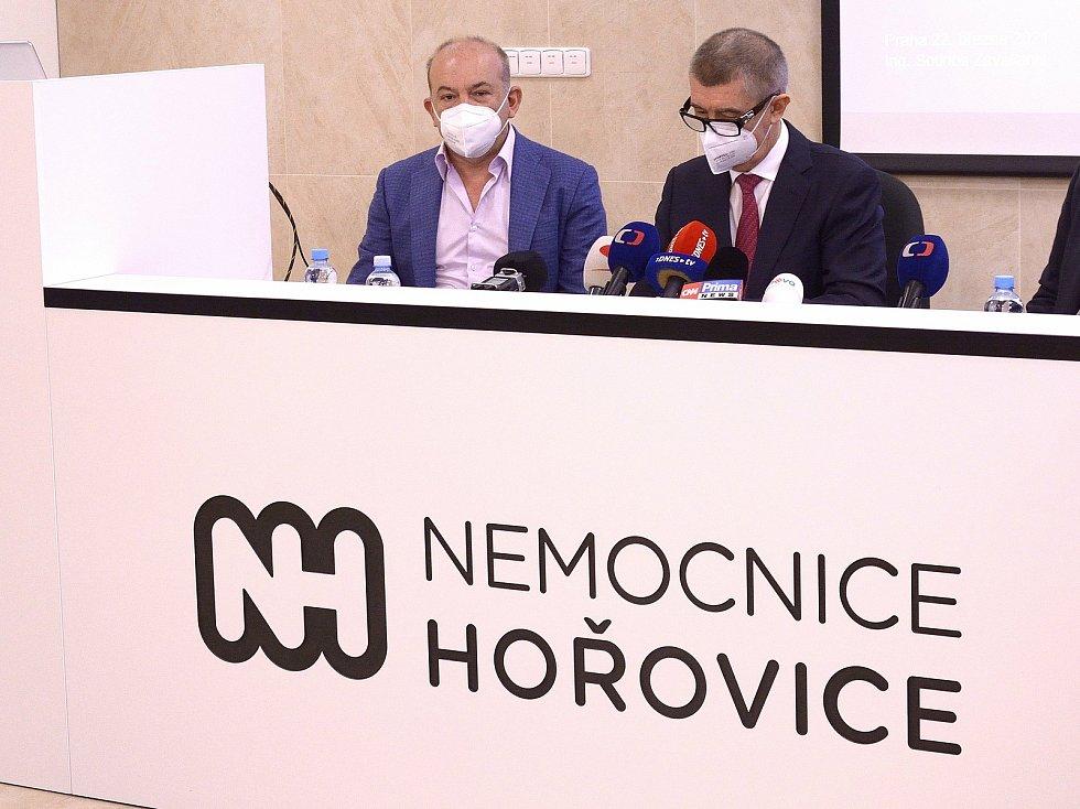 Majitel holdingu Akeso Sotirios Zavalianis (vlevo) a premiér Andrej Babiš.
