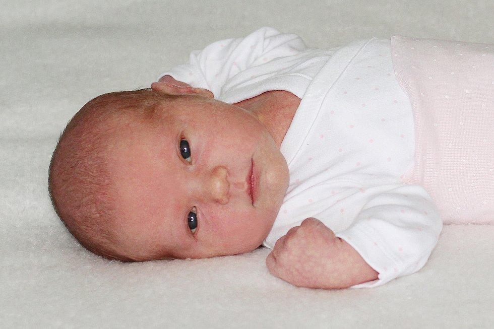 Leontýna Štádlíková se narodila 5. července 2021 v Příbrami. Vážila 3670g a měřila 50cm. Doma v Březnici ji přivítali maminka Anna, tatínek Karel a pětiletý Kája.