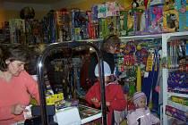 Z hračkářství mizely hlavně nejnovější dětské hity