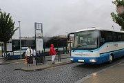 Hořovické autobusové nádraží na náměstí Boženy Němcové.