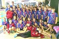Šestatřicet mladých plavců Lokomotivy Beroun se vydalo do domažlického bazénu na Malou cenu Chodska.