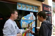 Letos bylo na prodej zmrzliny padesát zájemců.