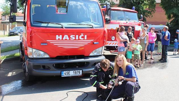Dobrovolní hasiči v Králově Dvoře Počaply oslavili 120. výročí svého vzniku.