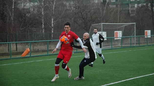 Na pražském turnaji se střetli Cábelíci (v červeném) s divizním Hořovickem.