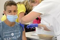 Očkování dětí proti koronaviru. Ilustrační foto.