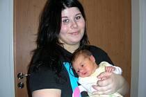 Zlata Marešová chová v náručí dcerku Nicol, kterou přivedla na svět 1. ledna 2015 v 15.46 hodin a přítel Martin Hanžl jí byl u porodu velkou oporou. Nicolka vážila po porodu 3,78 kg a měřila 50 cm. Rodiče si svoji vytouženou holčičku odvezli do Berouna.