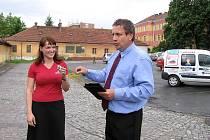 Klienti sociálně terapeutické dílny Jiná Káva získali vůz